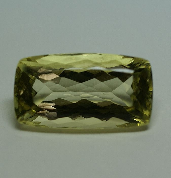 Heliodor, yellow-green - 24,27 ct