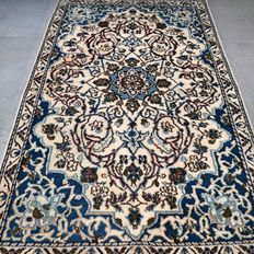 Beautiful Persian Nain - 138 x 88 - with certificate - NO RESERVE