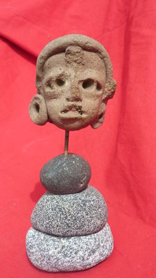 Great pre-Columbian head - 6 cm