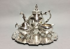 Silver plated tea-set on a serving tray, Rogers, U.S.A, ca. 1925