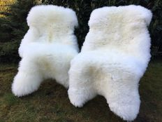 Lot with 2 real high quality nature white sheepskins / lambskins