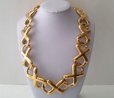 Signed ANNE KLEIN Gold Tone Big and Bold Infinity Link Necklace