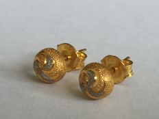 18 kt gold earrings - length: 14 mm