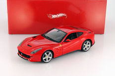 Hot Wheels - Scale 1/18 - Ferrari F12 Berlinetta 2012 - Red