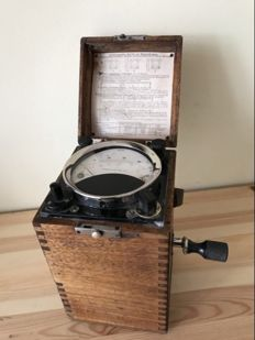Insulation detector with a magnetic dynamo, DRGM, early 1900s