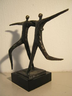 Hans Kuyper - signed bronze sculpture on marble base - Friendship