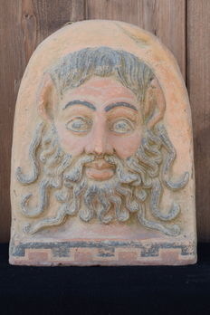 Polychrome terracotta Antefix depicting a satyr - Etruscan replica - Italy, 1920s