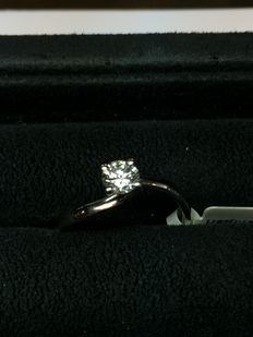 Solitaire ring in white golf with diamond, 0.40 ct - E/VVS1 - size: 12