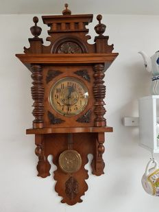 Walnut clock with free swinging pendulum - 1880/1900