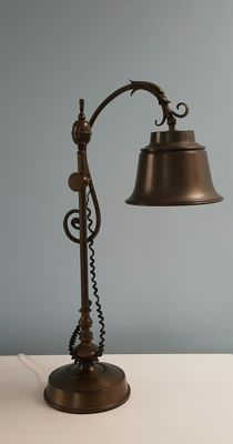 Bronze/zamak Art Nouveau lamp - height 64 cm.