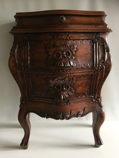 Mahogany-wooden dresser with typical hand-made floral in Rococo-style , Italy, 2nd half of 20th century