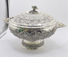 Designer sterling silver  soup bowl/tureen, international hallmarked 925