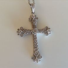 925 Silver cross with 0.25 ct diamonds, on necklace