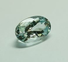Aquamarine light  greenish-blue - 2.96 ct