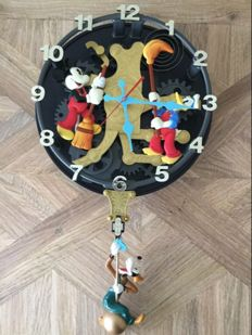 "Disney, Walt - Clock KNG America -  Donald Duck + Mickey Mouse + Goofy - ""The Clock Cleaners"" (1990s)"