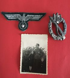 3rd Reich: Fabric Army Chest Eagle, Infantry Assault Badge, and Photo