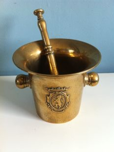 Heavy copper mortar and pestle with Lions stamp