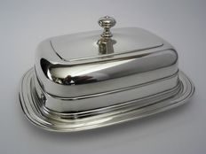 Silver plated butter dish with glass insert, Christofle Paris, 2nd half 20th century