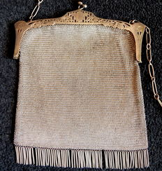 Mesh bag with fringes for women – Spain, 1920s