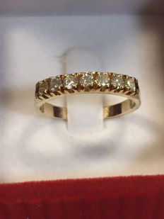 14 kt yellow gold ring with diamonds – Size 17.5