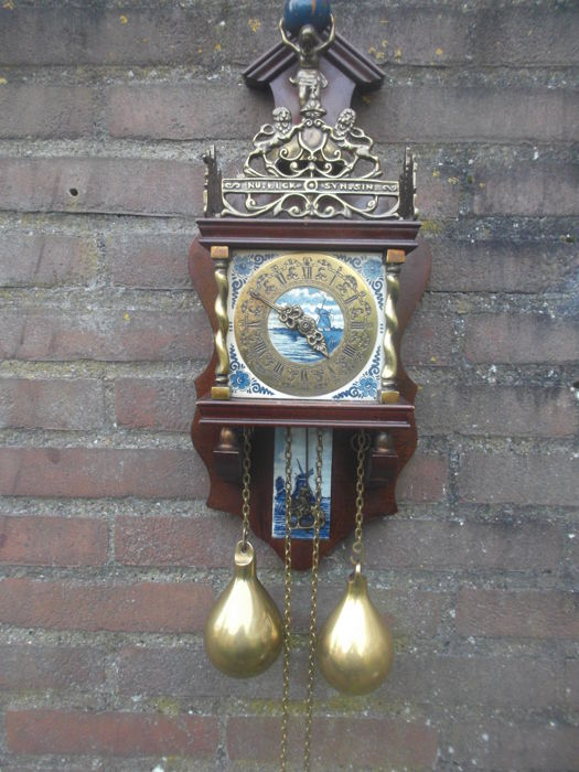 Zaanse clock with Delft blue tile - ca. 1960