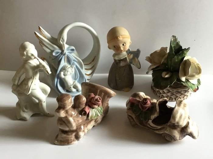 Capodimonte, Italy. 6 signed sculptures