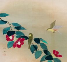 Birds and Tsubaki Flowers by Kiddo Soi (1900-death unknown) - Charming very beautiful hand painted scroll painting - Japan - mid 20th century
