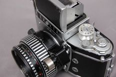Exakta Varex 11B with Ennalyt 1:1.9/50 mm with two viewfinders