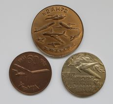 Russia/Ussr. Three table medals dedicated to Ussr aviation.