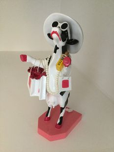 Cowparade - Alphadite Goddess of Shopping - Resin - medium.