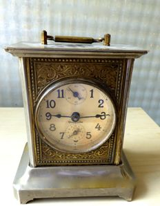 Large table clock – Porcelain dial – Alarm clock – Late 19th century – With key