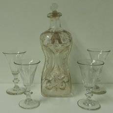 Engraved squeeze bottle with four bud glasses, Netherlands, 19th century
