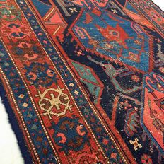 Incredible handmade Persian carpet: Antique Koliyai 206 x 112 cm, circa 1930!