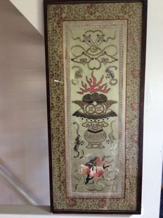 Framed embroidered silk panel - China - first half 20th century