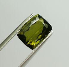 Tourmaline yellowish-green – 4.12 ct
