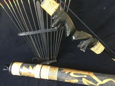 Old bow and arrow set with arrows and quiver – Dayak – Kalimantan – Indonesia