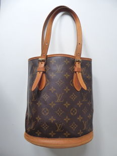 Louis Vuitton Noe Petite in monogram canvas