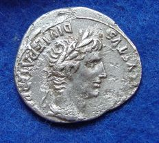 Roman Empire - Denarius of August (27 bC - 14aC), Lyon (N02)