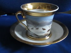 Germany? , Large cabinet Cup and saucer painted with poultry in a snow landscape around and wide gold rims