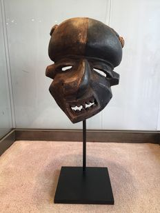 Powerful sickness or deformity mask - PENDE - Former Belgian Congo