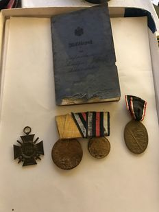 Lot from  World War I - Military Pass, Double Clasp Remembrance Medal Emperor Wilhelm I from 1897 and Victory Medal from 1870-1871, Combatant's Iron Cross from 1914/1918 and Kyffhäuserbund