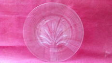 Large crystal plate signed, Lalique France.