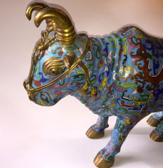 Chinese cloisonné bull - China - 2nd half of the 20th century