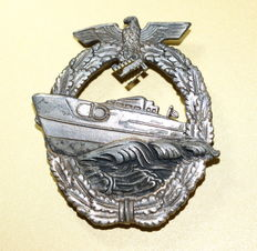 WW II Navy Speedboat Badge, 2nd form