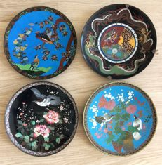 Lot with 4 Cloisonné chargers - Japan - late 19th century