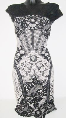 Marc Cain – Beautiful lace spring dress