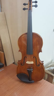 Viola from new professional violin making