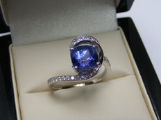 18 kt gold ring with diamonds and tanzanite VVS of 2.59 ct - Laboratory certificate - No reserve price