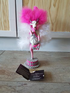 Angelic Fedevich for Cow Parade, cowparade, bovine The Las Vegas showgirl, medium, resin