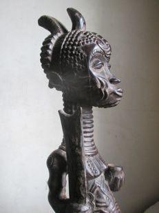 Fecundity figurine with power emblems - BENA LULUA - D.R Congo